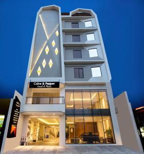 Yellow Star Gejayan Hotel, Hotels  Yogyakarta - big - 1