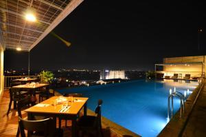 Student Park Hotel Apartment, Апарт-отели  Джокьякарта - big - 19
