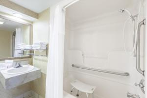 Deluxe Double Room with Two Double Beds - Disability Access ONLY- Non-Smoking