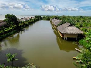 Mekong Riverside Boutique Resort and Spa
