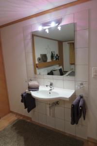 Apartment Bergfreude, Ferienwohnungen  Saas-Grund - big - 10