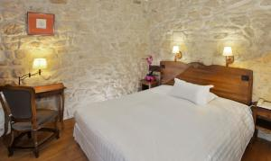 Tradition Double Room with Courtyard View