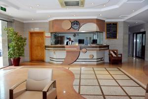 Al Furat Hotel, Отели  Эр-Рияд - big - 44