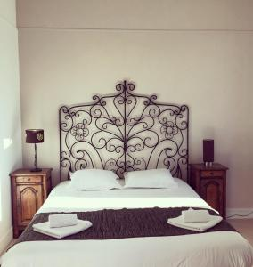 Superior Room with 1 Double Bed and 1 Single Bed