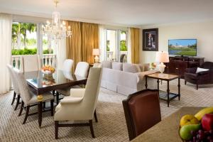 Premier One Bedroom Suite with King Bed
