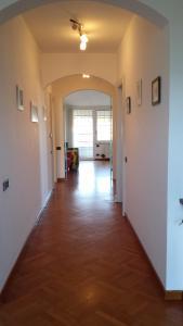 Silvia, Apartments  Sarzana - big - 27