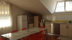 Silvia, Apartments  Sarzana - big - 40