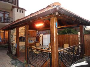 Guest House Yuzhniy, Locande  Divnomorskoye - big - 57