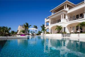 Cove Suites