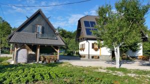 Pansion House Prijeboj, Penzióny  Jezerce - big - 26