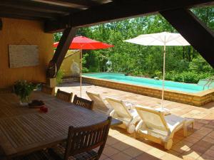 Villa Maison Les Bois, Villák  Bouzic - big - 33