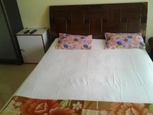 Med Mid Town Apt, Apartmány  Bombaj - big - 21