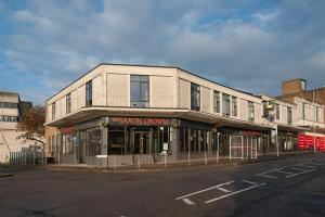 The Saxon Crown Wetherspoon, Hotely  Corby - big - 72