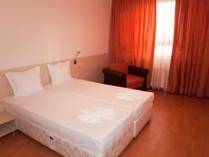Hotel Astra, Hotely  Sofia - big - 2