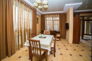 Guest House Yuzhniy, Locande  Divnomorskoye - big - 12