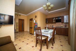 Guest House Yuzhniy, Locande  Divnomorskoye - big - 6