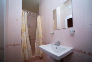 Guest House Yuzhniy, Locande  Divnomorskoye - big - 4