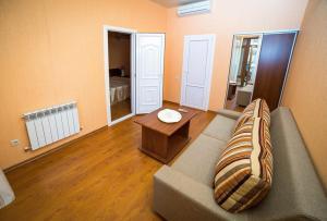 Guest House Yuzhniy, Locande  Divnomorskoye - big - 21