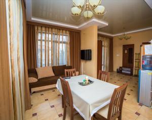 Guest House Yuzhniy, Locande  Divnomorskoye - big - 20