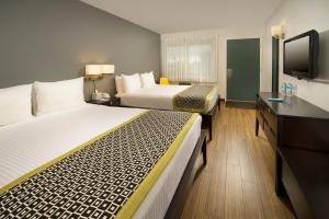 Standard Queen Room with Two Queens Beds