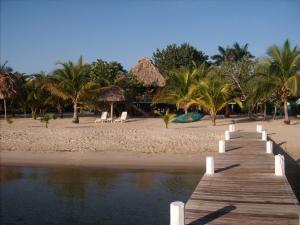 Green Parrot Beach Houses and Resort, Lodge  Maya Beach - big - 24
