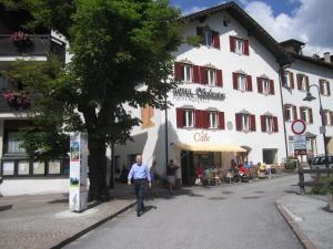 Hotel Schuster, Hotely  Colle Isarco - big - 13