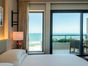 Pokój z łóżkiem typu king-size od strony oceanu
