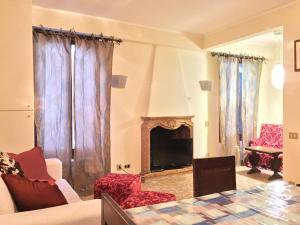 Two-Bedroom Apartment - San Samuele, Calle de le Carrozze no 3148 (San Marco 3148)