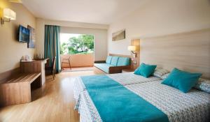 Invisa Hotel Club Cala Blanca, Hotely  Es Figueral Beach - big - 13