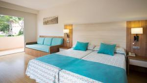 Invisa Hotel Club Cala Blanca, Hotely  Es Figueral Beach - big - 11