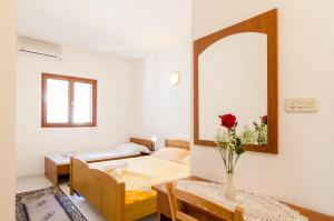Guesthouse Sobra, Penziony  Sobra - big - 33