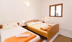 Guesthouse Sobra, Penziony  Sobra - big - 37