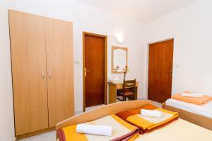 Guesthouse Sobra, Penziony  Sobra - big - 44