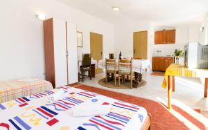 Guesthouse Sobra, Penziony  Sobra - big - 46