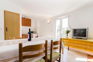 Guesthouse Sobra, Penziony  Sobra - big - 48