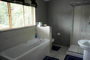 The Clarens Country House, Apartmány  Clarens - big - 17