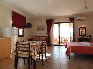 Villa Gaia Apartments, Apartmanok  Alóniszosz - big - 18