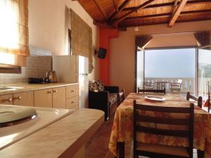 Villa Gaia Apartments, Apartments  Alonnisos Old Town - big - 4