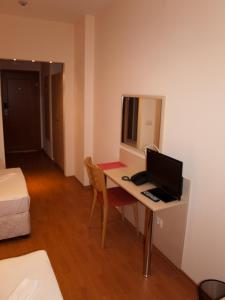 Hotel Astra, Hotely  Sofia - big - 24