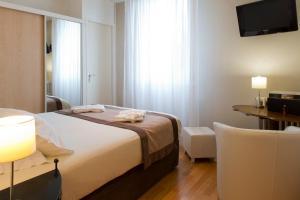 Inter-Hotel Mende du Pont Roupt, Отели  Манд - big - 14
