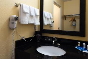 Fairfield Inn Fort Leonard Wood St. Robert, Отели  Saint Robert - big - 7