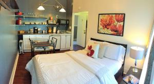 Full Bed Room with Kitchenette and Private Bathroom