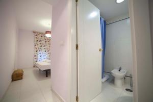 Apartamentos Kasa25 Golf & Beach Hoyo 18, Apartmanok  Alicante - big - 16