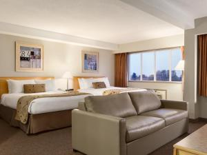 Suite with Two Queen Beds and Sofa Bed - Non-Smoking