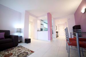 Apartamentos Kasa25 Golf & Beach Hoyo 18, Apartmanok  Alicante - big - 33