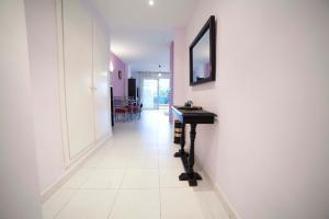 Apartamentos Kasa25 Golf & Beach Hoyo 18, Apartmanok  Alicante - big - 35