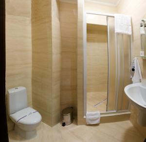 Отель Роял Стрит, Отели  Одесса - big - 35