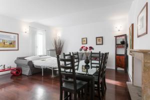 Vittoria Halldis Apartments, Apartments  Milan - big - 11