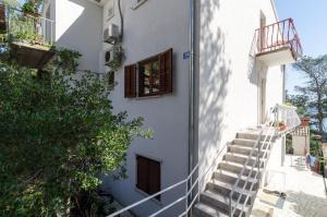 Guesthouse Sobra, Penziony  Sobra - big - 90
