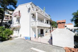 Guesthouse Sobra, Penziony  Sobra - big - 88